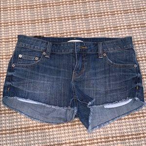 Dark Blue Aritzia Talula jean shorts Size: 26